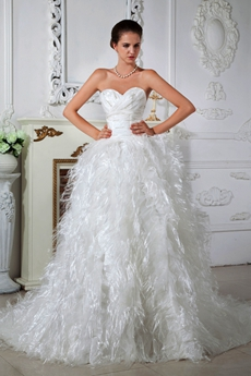 Luxury Feather 2016 Celebrity Wedding Dress