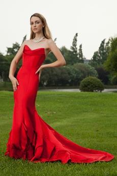 Sweetheart Satin Red Mermaid Wedding Dress