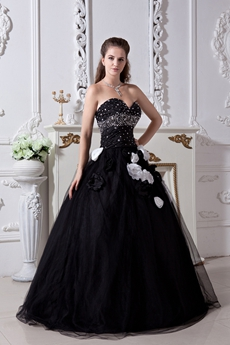 Gothic Sweetheart Black Tulle Quinceanera Dress With White Flowers