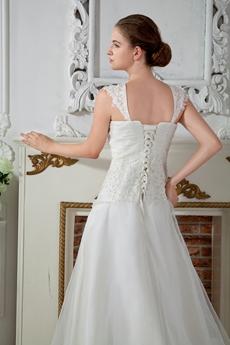 Elegant Straps A-Line Vintage Brides Wedding Dresses