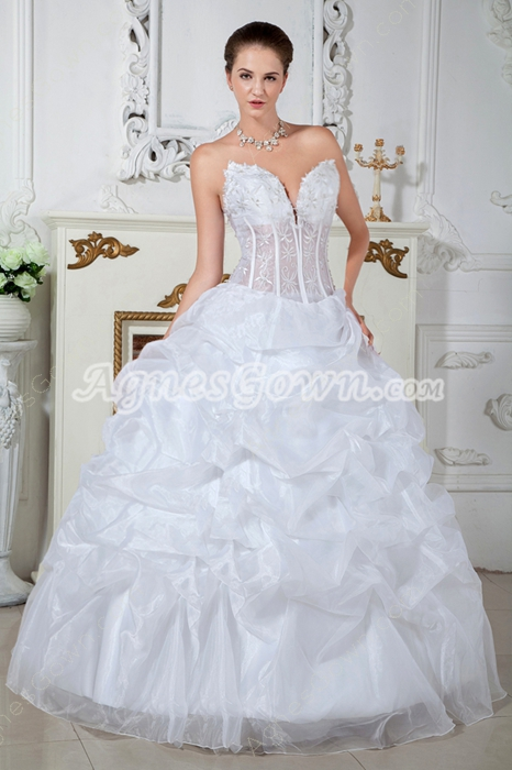 Low-cut Sweetheart Ball Gown Organza Sweet 15 Dress