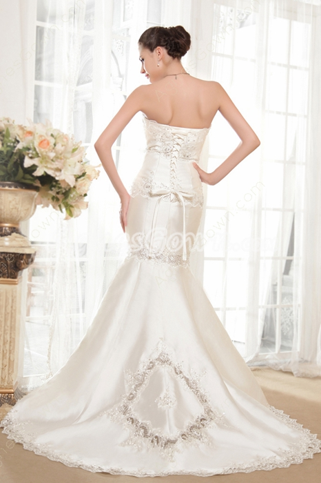 Modest Strapless Satin Mermaid Wedding Dress With Appliques