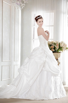 Romantic Taffeta Strapless Pick up Corset Ball Gown Wedding Dress