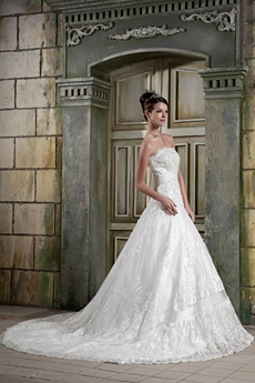 Traditional A-line Lace Bridal Gown With Great Handwork