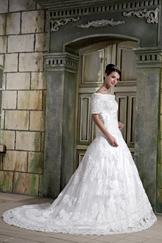 Unique Off The Shoulder Short Sleeves Winter Lace Wedding Gown