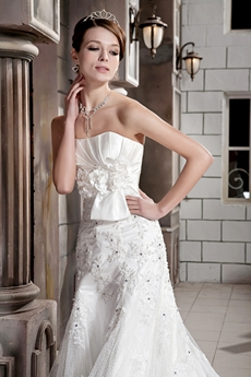 Graceful A-line Full Length Lace Wedding Dress With Beads
