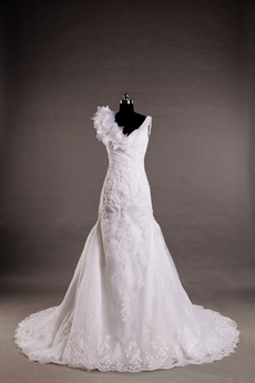 V-Neckline Sheath Lace Wedding Dress