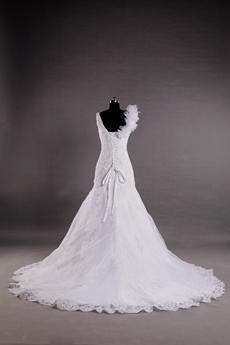 V-Neckline Sheath Lace Wedding Dress