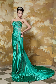 Sweetheart A-line Green Satin Celebrity Dress Front Slit