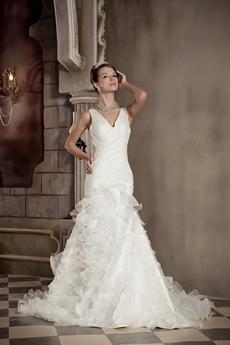Graceful V-Neckline Organza Trumpet/Mermaid Wedding Dress