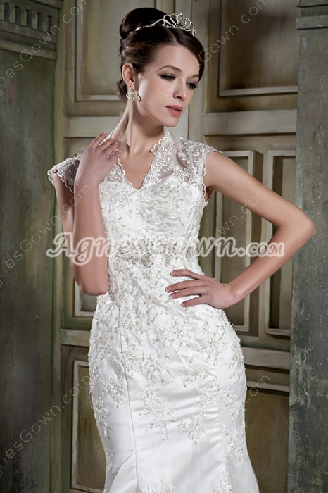 Retro Queen Anne Neckline Trumpet/Mermaid Lace Wedding Gown