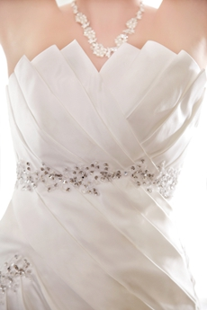 Modest Strapless A-line Satin Wedding Dress For Plus Size Brides