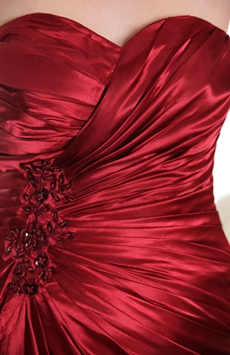 Sweetheart A-line Full Length Red Satin Prom Gown