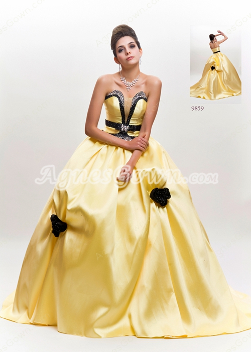 Sweetheart Ball Gown Satin Daffodil Quinceanera Dress With Black Flower