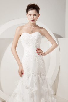 Luxury Shallow Sweetheart Sheath Wedding Dress With Butterfly