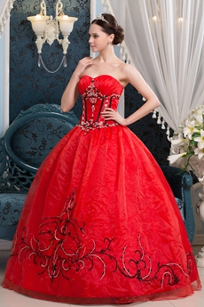 Gothic Shallow Sweetheart Ball Gown Organza Red Quinceanera Dress With Black Appliques