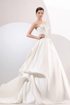 Junoesque Sweetheart A-line Satin Bridal Dress With Embroidery Beads