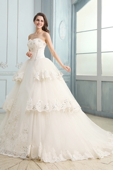 Brilliant Sweetheart Neckline Ball Gown Ivory Bridal Dress With Lace Appliques