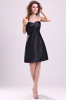Mini Length Sweetheart Neckline Black Cocktail Dress