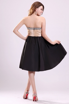 Gorgeous Sweetheart Knee Length Black Homecoming Dress With Rhinestones