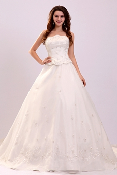 Classy Strapless Neckline A-line Floor Length Plus Size Wedding Dress With Embroidery