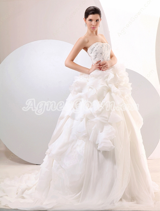 Exquisite Sweetheart Ball Gown Ruffled Wedding Dress