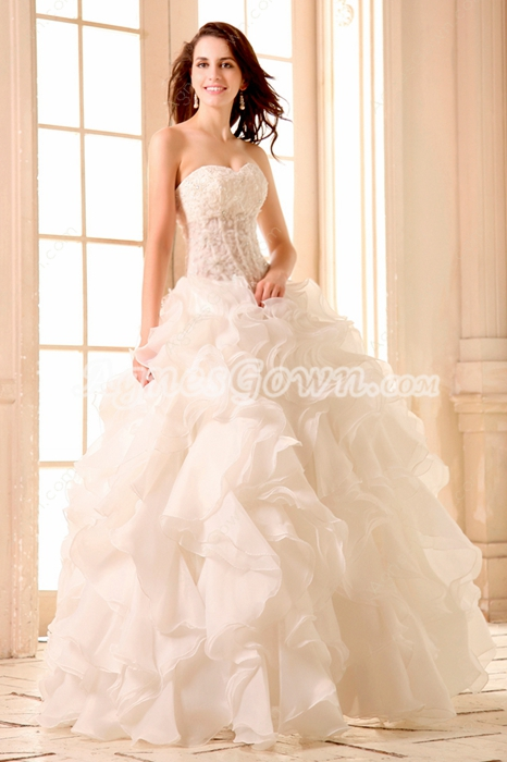 Luxurious Sweetheart Neckline Ball Gown Ruffled Organza Wedding Dress With Lace Bodice