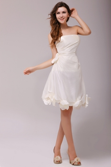 Chic Cream Knee Length Homecoming Dress With Handmade Flower