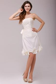 Chic Cream Knee Length Homecoming Dress With Handmade Flower