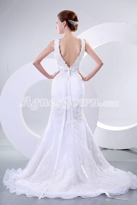 Stunning V-Neckline Trumpet/Mermaid Wedding Dress With Lace