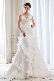 Stunning Plunge Neckline Celebrity Wedding Dresses