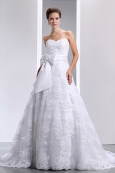 Beautiful Princess Lace Wedding Dress With Satin Sash