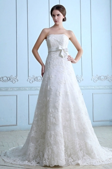 Vintage And Retro A-line Lace Wedding Dress With Satin Sash