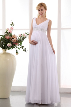 V-Neckline White Chiffon Wedding Dress For Maternity Women