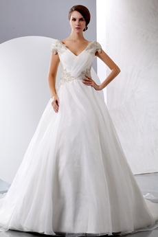 Extraordinary V-Neckline Ball Gown Wedding Dress Corset Back