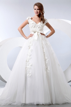 V-Neckline Princess Wedding Dress With Appliques