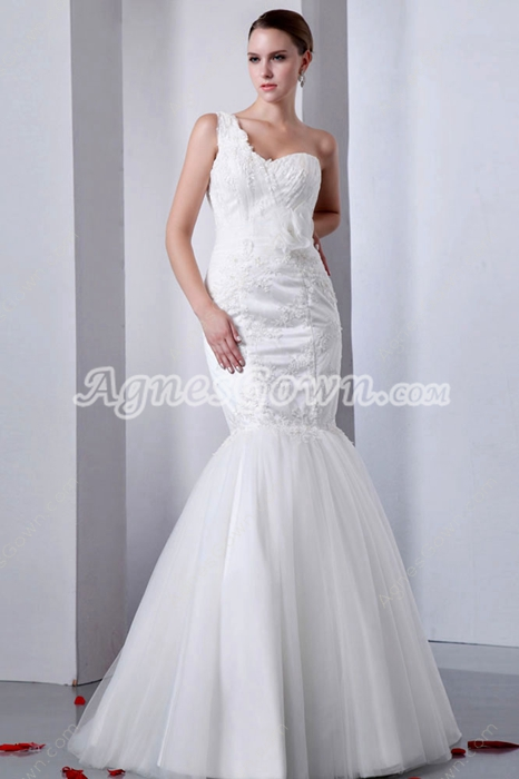 Retro One Straps Trumpet/Mermaid Wedding Gown With Lace