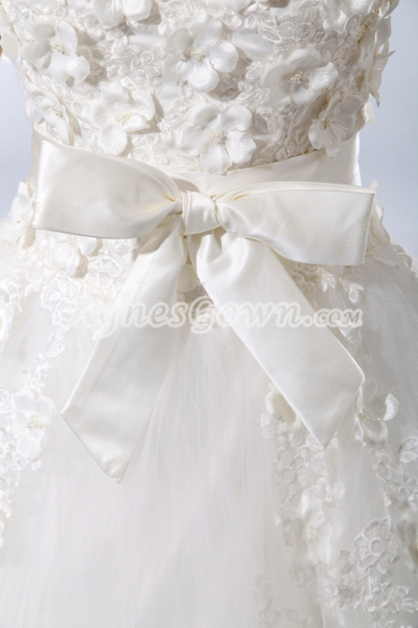 V-Neckline Princess Wedding Dress With Appliques
