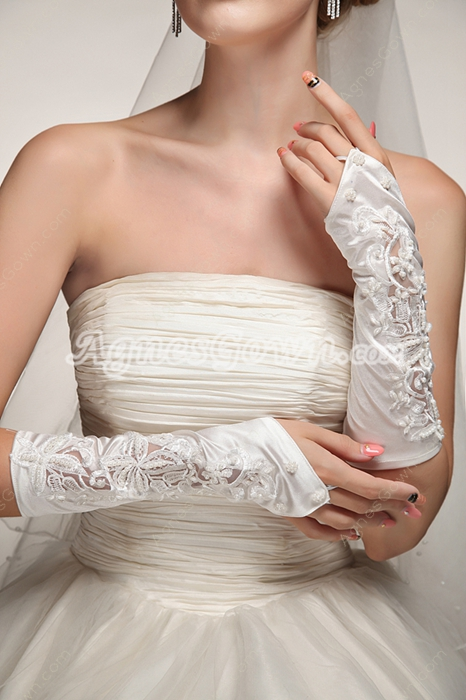 Romantic Fingerless Wedding Gloves