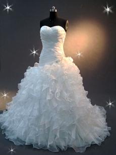 Pretty Ruffled Sweetheart Ball Gown Wedding Dress