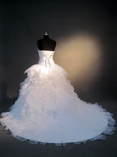 Classy White Organza Sweetheart Ball Gown Wedding Dresses With Ruffles