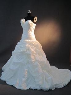 Stylish White Strapless Taffeta Wedding Dresses