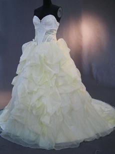 Romantic White And Champagne Organza Puffy Beach Wedding Dresses