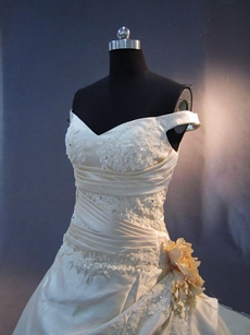 Pretty Off Shoulder Champagne Bridal Dresses