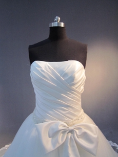 Wonderful Strapless Plus Size Bridal Dresses With Ruched Bodice