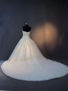 Luxurious Sweetheart Couture Wedding Dresses With Royal Train