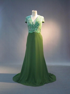 Perfect Heavy Beaded Green V-Neckline Mother Of The Bride Dresses