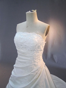 Elegant Strapless Winter Plus Size Wedding Dresses