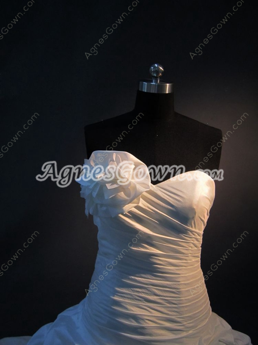 Stylish White Strapless Taffeta Wedding Dresses