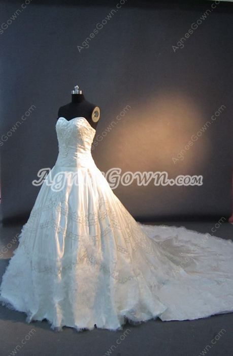 Luxury Embroidery Couture Wedding Dresses With Royal Train